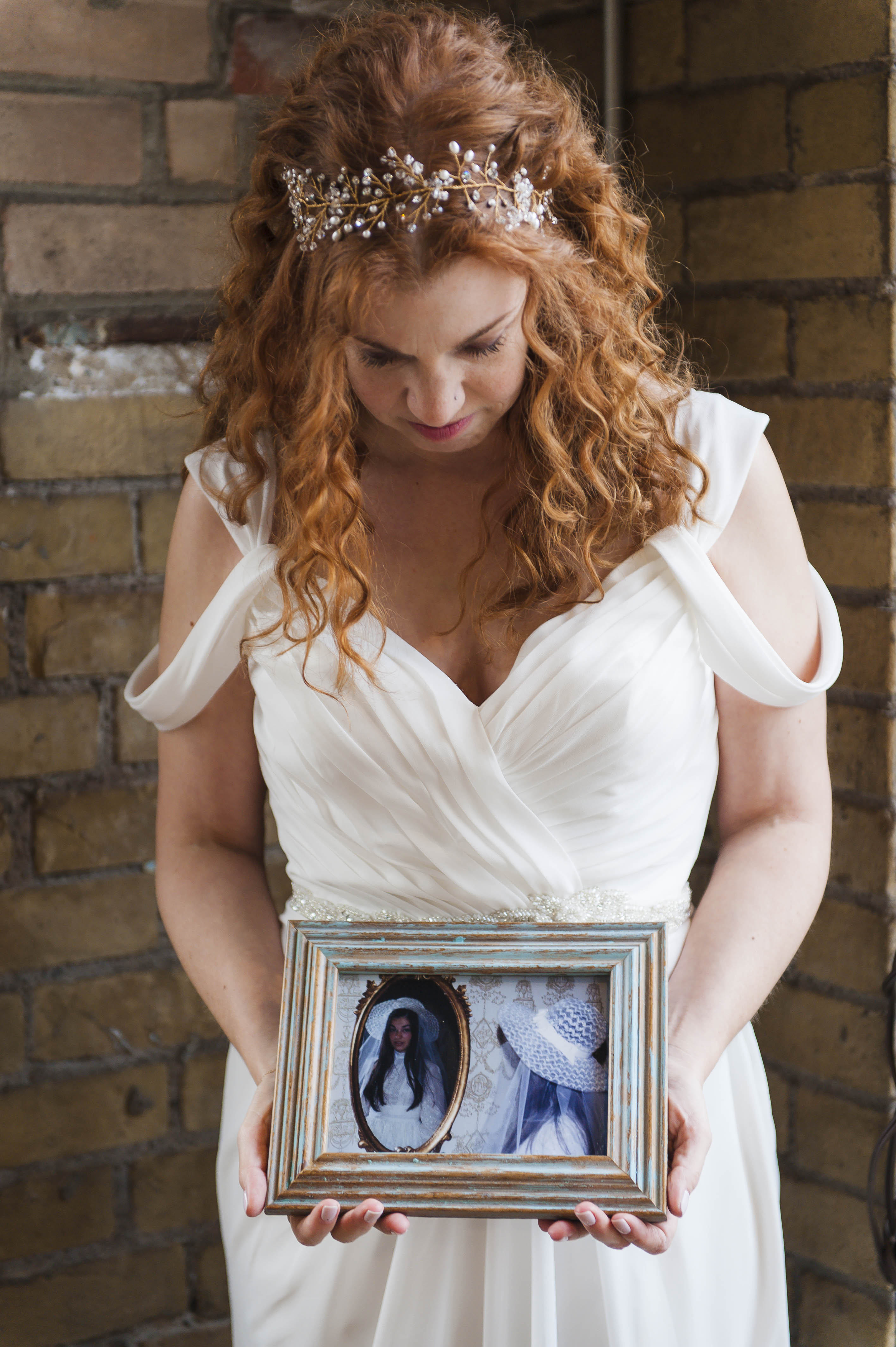 Tribute to Mother – Tribute to Family Member Who Has Passed Away – Offbeat Bride – St.Lawrence Market Wedding – Toronto Wedding Photographer